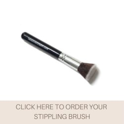This is an image of the Veil Stippling Brush, a makeup tool that is the perfect option for those wanting to achieve a super high coverage, flawless and smooth finish.