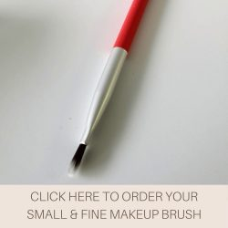 This is an image of the Veil Small and Fine Makeup Brush. This handy small tool not only fits perfectly into your makeup bag but also works effectively at applying concealer to hard to reach areas such as around the nose and lips.
